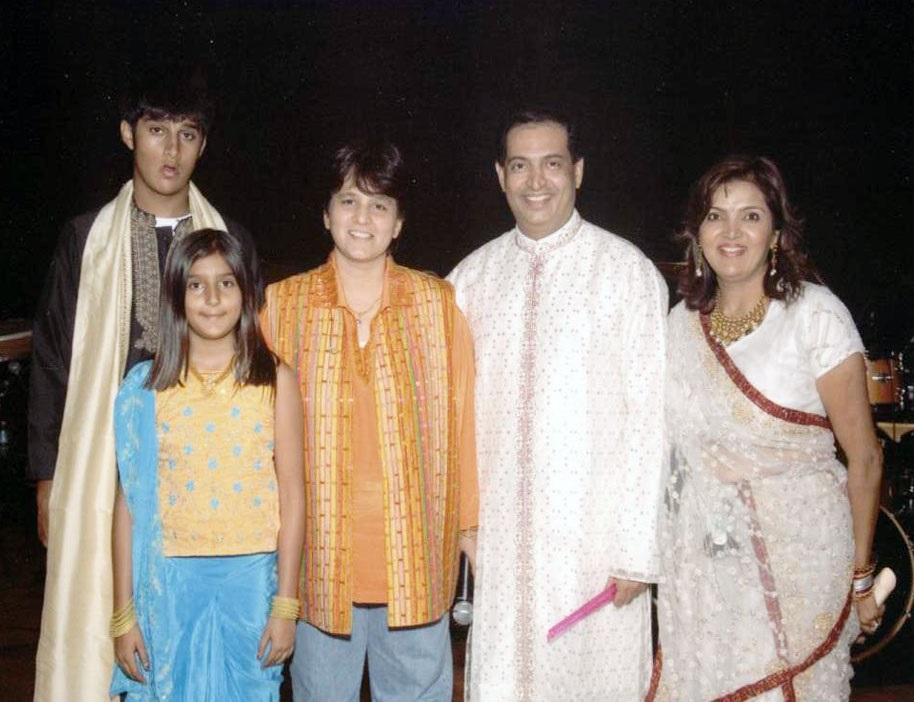 Falguni Pathak family