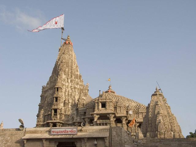 Dwarkadheesh_temple_gujaratcelebs