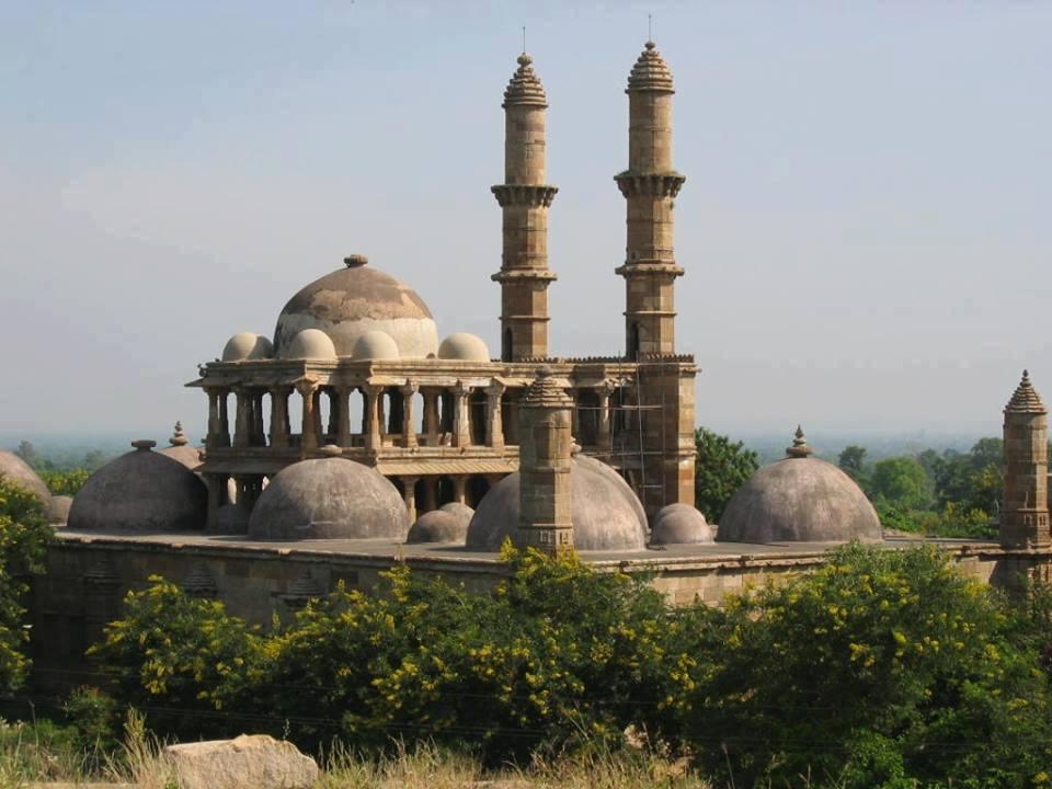 jhulta-minar-in-ahmedabad