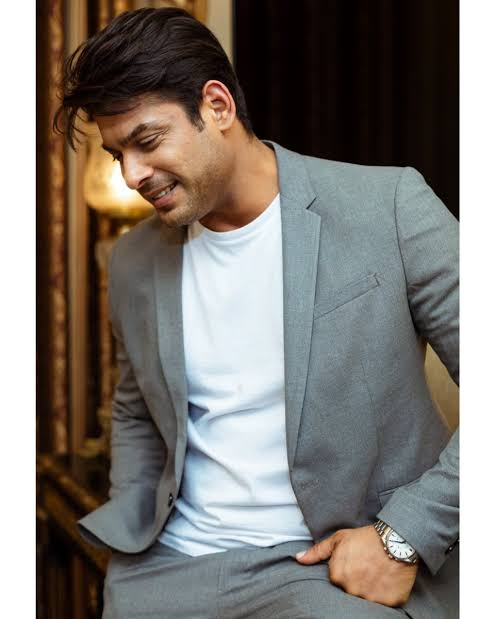THE HEARTTHROB OF TELEVISION INDUSTRY SIDHARTH SHUKLA PASSES AWAY!